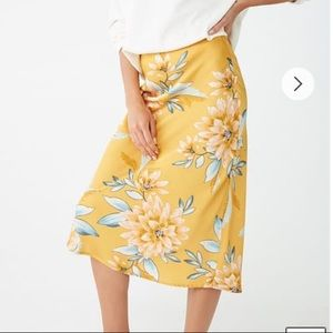 New Forever 21 Midi Floral Skirt Small